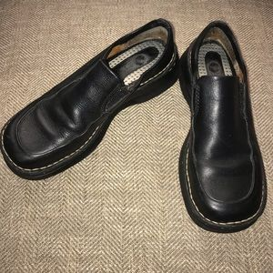 Born Leather Upper and Lining Slip on Shoes Sz 7.5